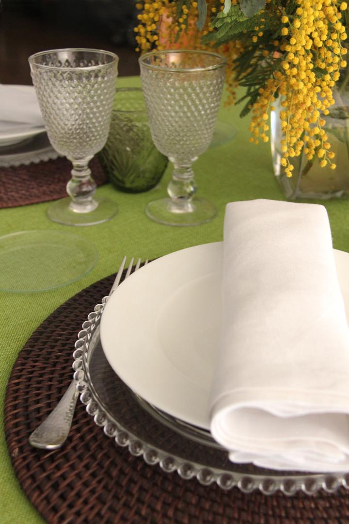 Múltiples combinaciones de servilletas 100% lino: servilleta piedra, servilleta rosa fucsia, servilleta verde pistacho, servilleta blanca, servilleta azul, servilleta turquesa y servilleta vainilla