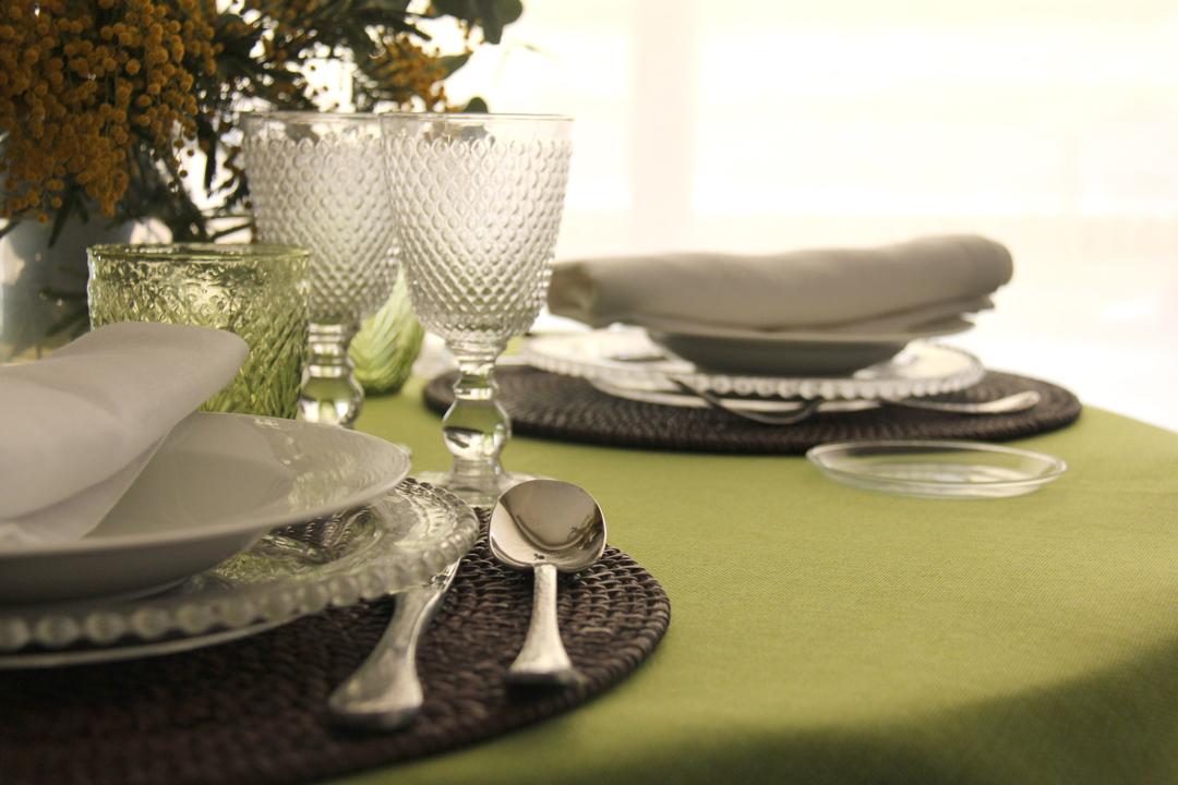 alquiler mantelería lisa pistacho fácil de mezclar con multitud de lisos y estampados para catering y wedding planner