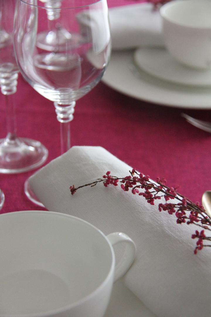 alquiler mantelería lisa fucsia fácil de mezclar con multitud de lisos y estampados para catering y wedding planner