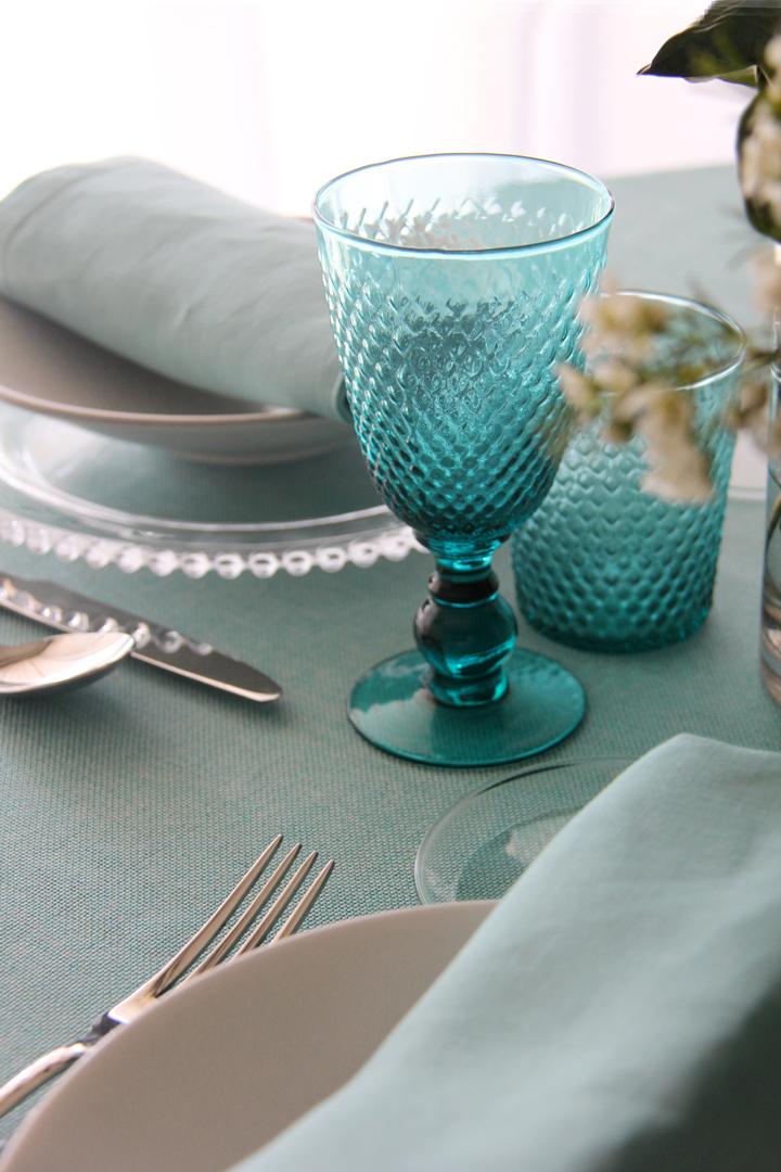Múltiples combinaciones de servilletas 100% lino: servilleta piedra, servilleta gris, servilleta rosa fucsia, servilleta verde pistacho, servilleta blanca, servilleta azul, servilleta turquesa y servilleta vainilla