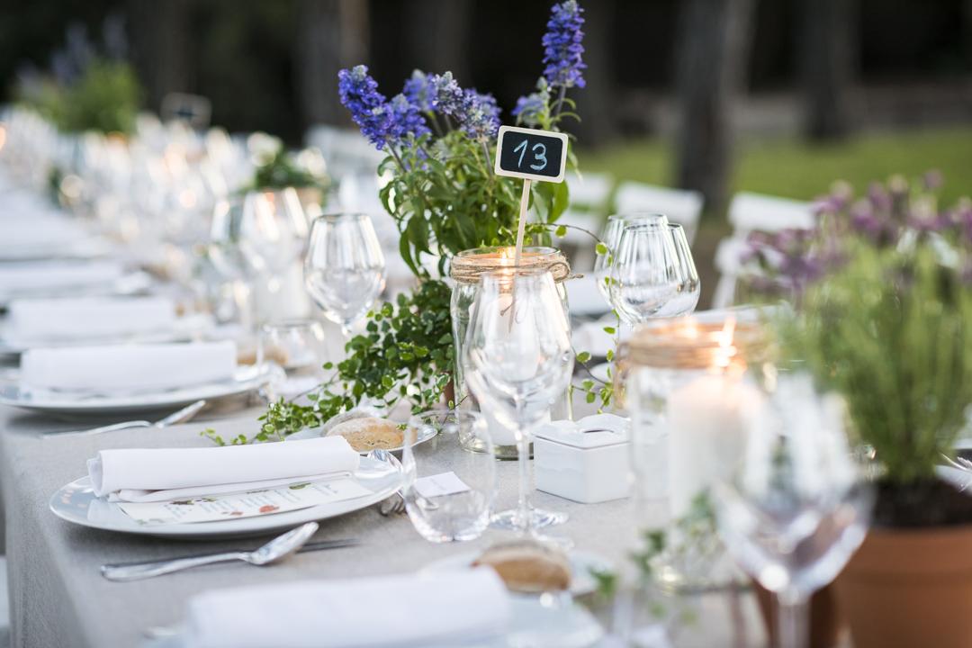 alquiler mantelería lisa, para eventos de empresa, eventos corporativos, bodas de plata, bautizos,