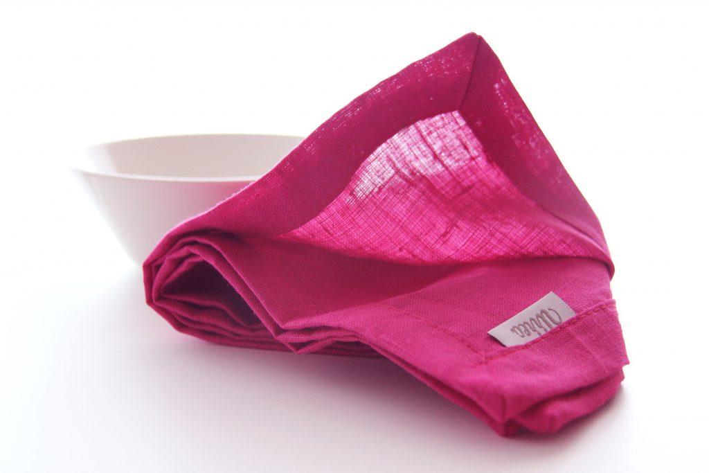 servilleta rosa fucsia de lino ideal para combinar con mantelerias lisas o estampadas
