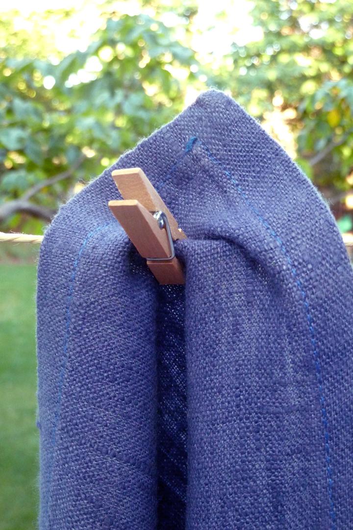 Tela o tejido de lino azul marino azulón ultramar , alquiler tendencia decoración, mezcla perfecta
