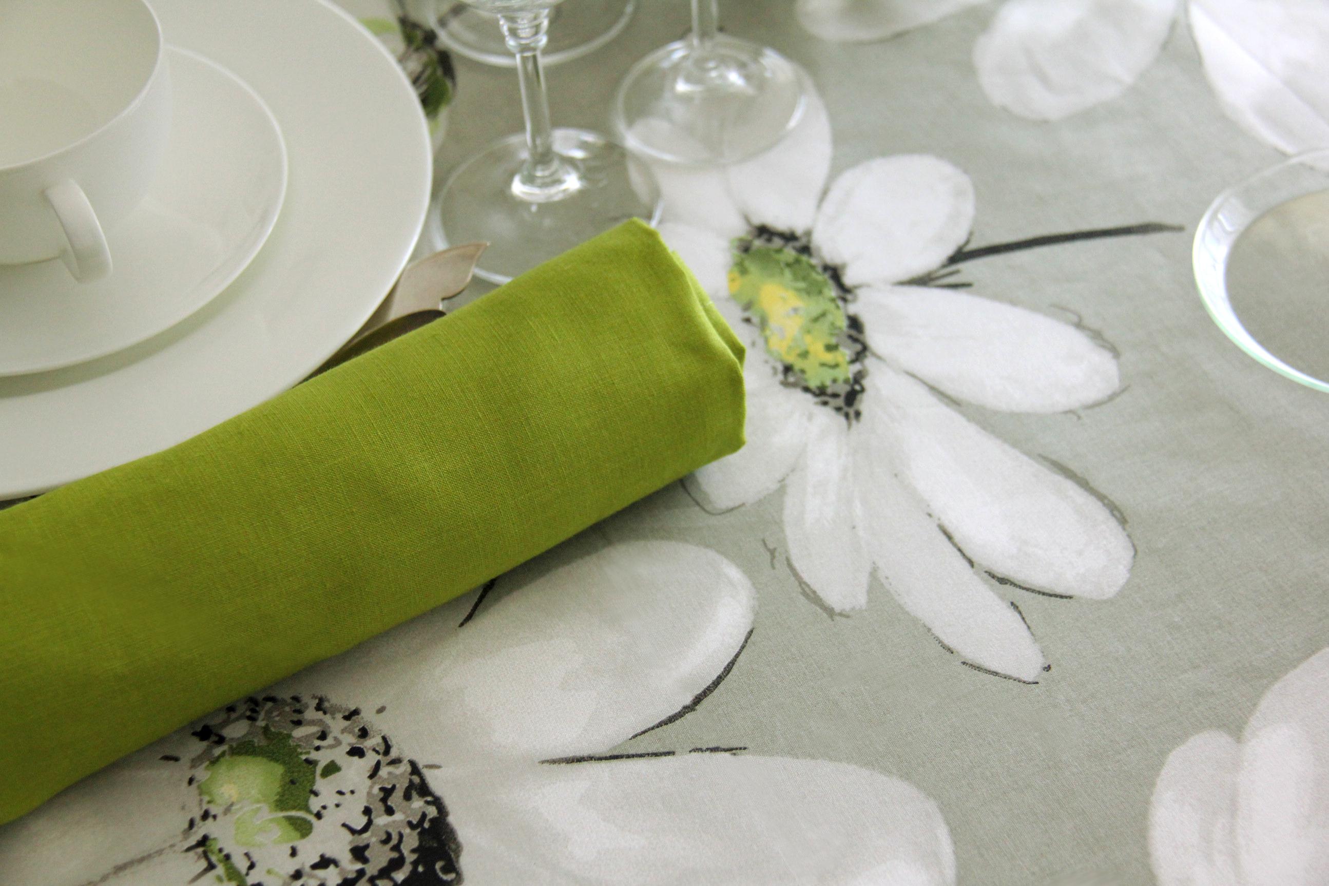 toque de color y alegría para mantel Greta Naturel, alquiler servilleta pistacho 100% lino
