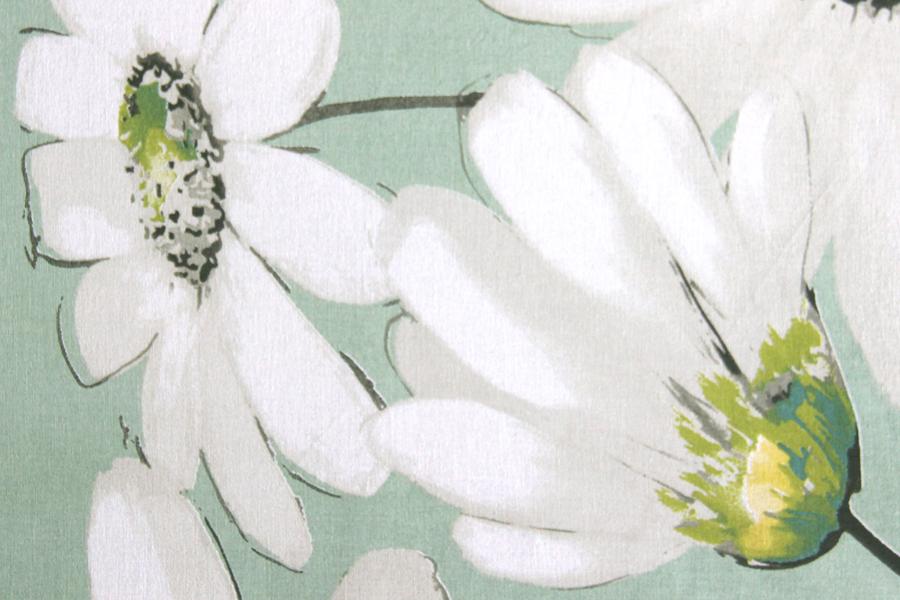 Mantel estampado de flrors, margaritas en blanco, celedón y verdes ideal para combinar con otras mantelerias lisas