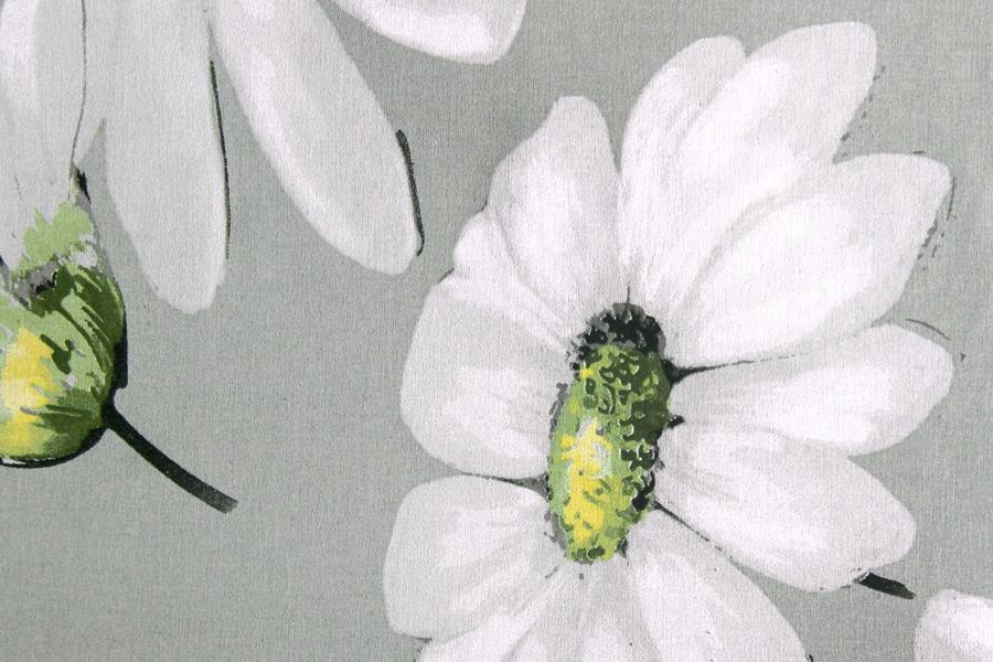 Mantel estampado flores, margaritas, en blanco y natural con toques de pistacho ideal para combinar con otras mantelerias lisas