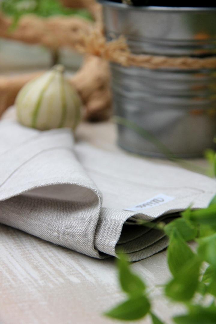 servilleta lino piedra con mutitud de combinaciones con servilletas 100% lino: servilleta fucsia, servilleta pistacho, servilleta gris, servilleta turquesa, servilleta azul, servilleta vainilla y servilleta blanca